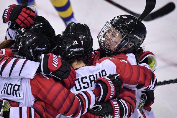 Хоккеистки сборной Японии