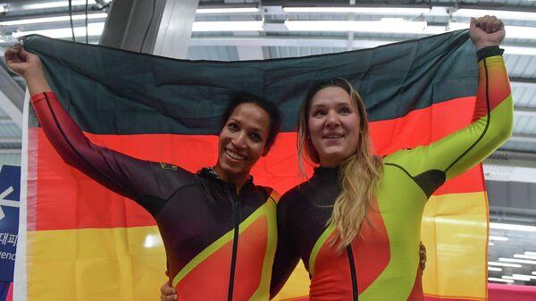 Немецкие бобслеистки Мариама Яманка (слева) и Лиза Буквитц