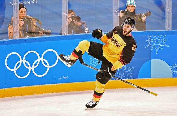 Немецкий хоккеист Маттиас Плахта