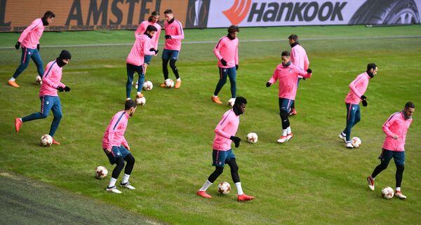 Футболисты Атлетико на тренировке