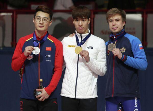 Семен Елистратов, Хван Дэ Хон и Жэнь Цзывэй (справа налево)