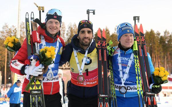 Йоханнес Бё (Норвегия) – второе место, Мартен Фуркад  (Франция) – первое место, Лукас Хофер (Италия) – третье место