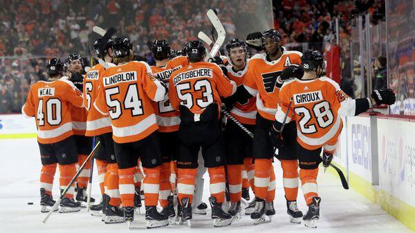 Хоккеисты клуба НХЛ Филадельфия Флайерз
