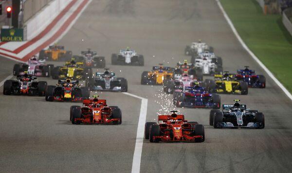 Пилоты во время гонки второго этапа чемпионата Формулы-1 Гран-при Бахрейна