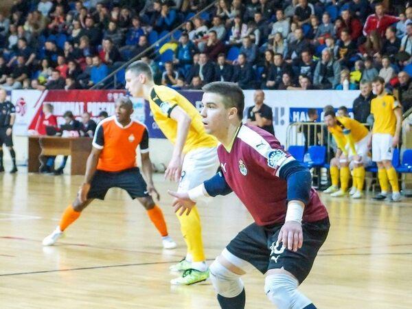 Игровой момент матча чемпионата России по мини-футболу Дина - Автодор