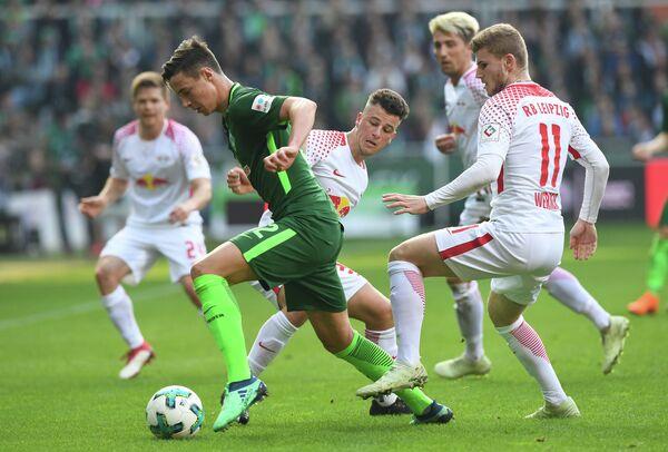 Игровой момент матча Вердер - Лейпциг