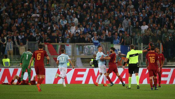 Игровой момент матча чемпионата Италии Лацио - Рома