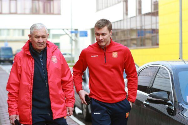 Владимир Ткачёв (справа) и Владимир Юрзинов-старший