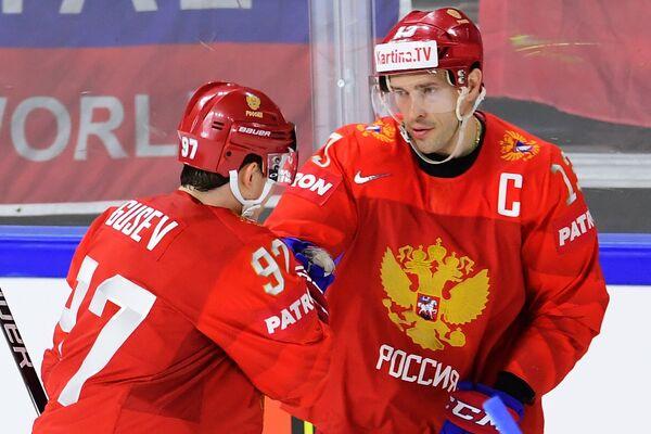 Игроки сборной России Никита Гусев (слева) и Павел Дацюк