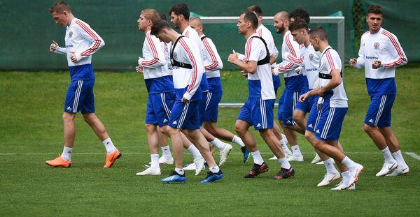 Игроки сборной России во время тренировки в Нойштифте