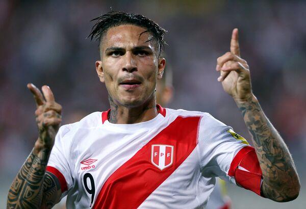 Нападающий сборной Перу Паоло Герреро