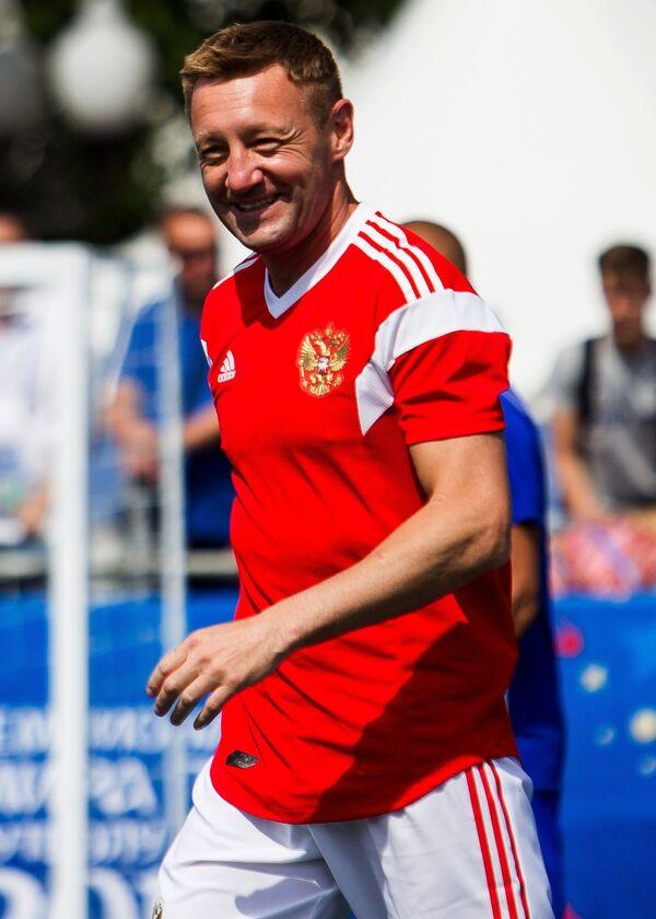 Форвард сборной легенд футбола России Андрей Тихонов