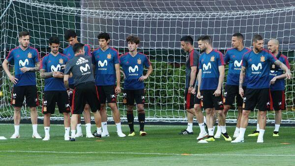 Футболисты сборной Испании на тренировке в Краснодаре