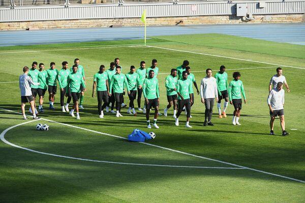 Футболисты сборной Саудовской Аравии во время тренировки