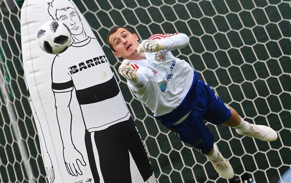 Вратарь сборной России Андрей Лунев
