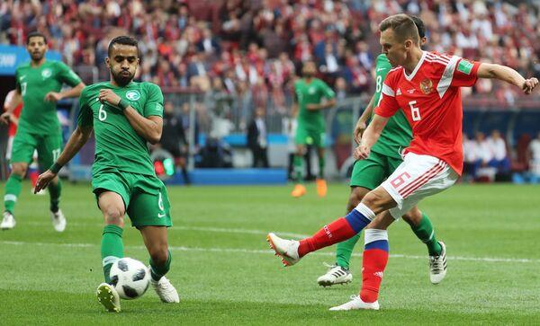 Слева направо: Мухаммед Аль-Бурайк (Саудовская Аравия) и Денис Черышев (Россия)