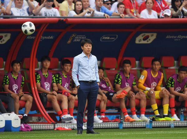 Главный тренер сборной Южной Кореи Син Тхэён