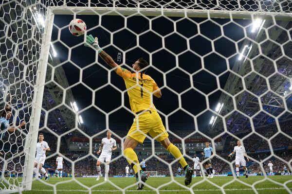 Гол в ворота сборной Португалии