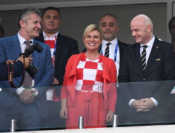 Президент футбольной федерации Хорватии Давор Шукер, президент Республики Хорватия Колинда Грабар-Китарович и президент ФИФА Джанни Инфантино (слева направо)
