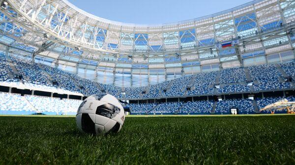Футбольный мяч на стадионе Нижний Новгород