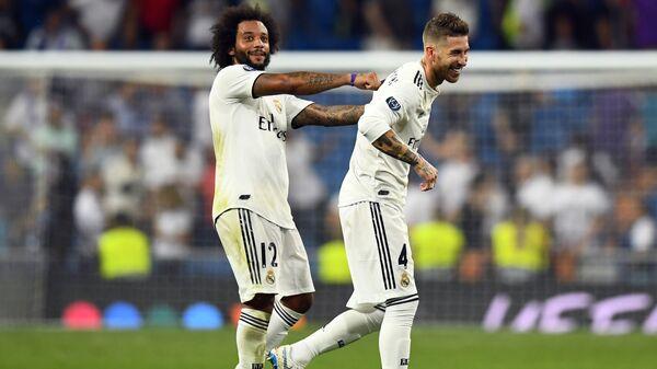 Футболисты мадридского Реала Марсело и Серхио Рамос (слева направо)