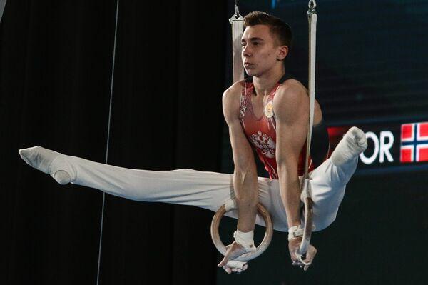 Гимнаст Сергей Найдин на ЮОИ