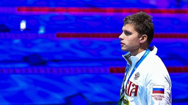 Пловец Александр Красных