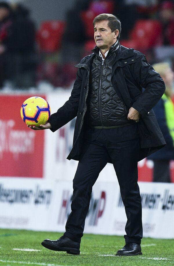 Исполняющий обязанности главного тренера Спартака Рауль Рианчо во время матча с Уралом