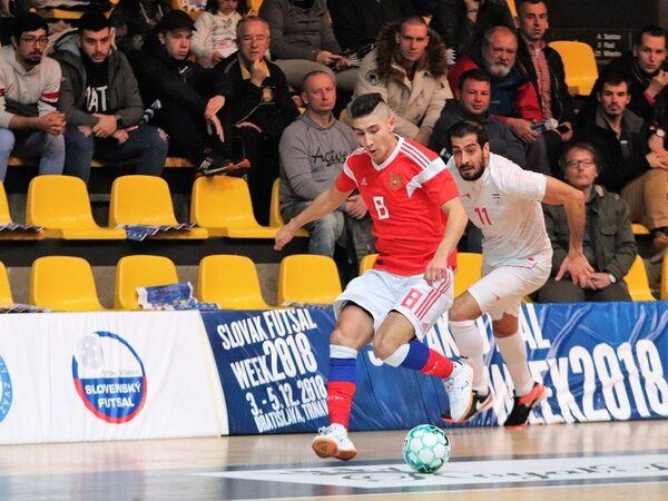 Игровой момент матча Россия - Иран