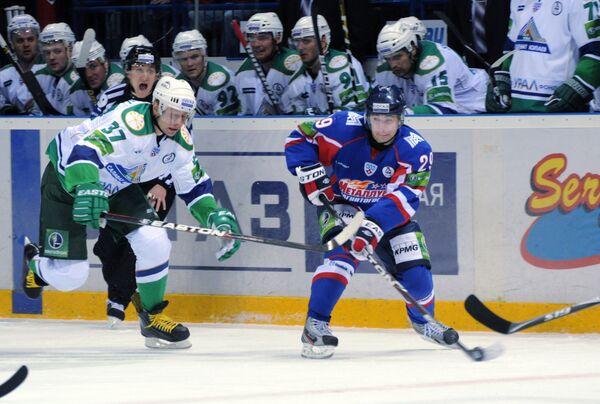 Игровой момент матча Металлург (Магнитогорск) - Салават Юлаев
