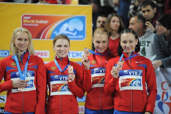 Юлия Гущина, Марина Карнаущенко, Ксения Усталова и Александра Федорива (слева направо)