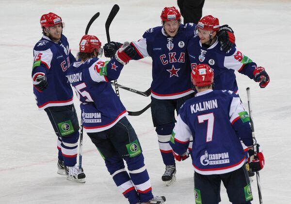 Игроки хоккейного клуба СКА
