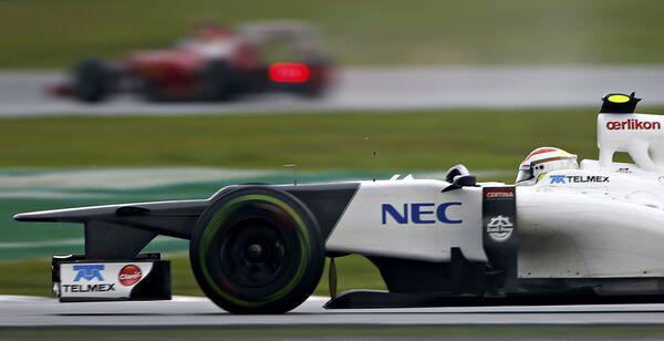 Пилот команды Заубер Серхио Перес во время Формулы-1 в Малайзии