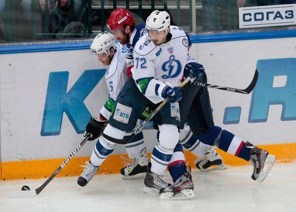 Игровой момент матча СКА - Динамо