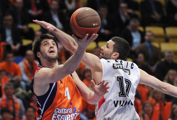 Игровой момент матча Валенсия - Летувос Ритас