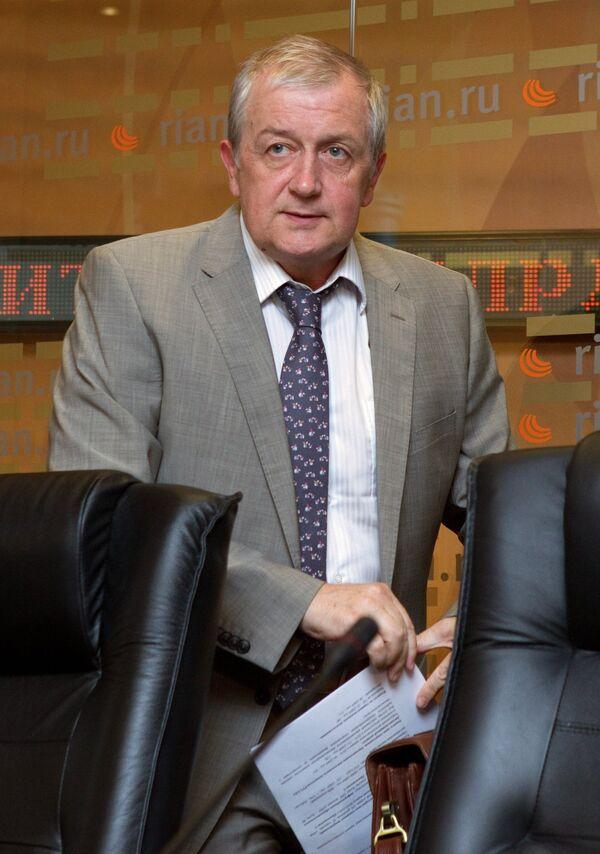 Александр Деревоедов