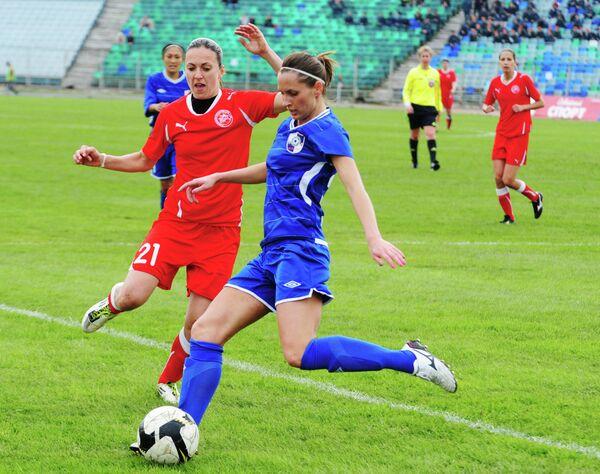 Игровой момент матча Зоркий - Звезда-2005