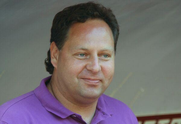 Главный тренер футбольного клуба Химки Константин Сарсания