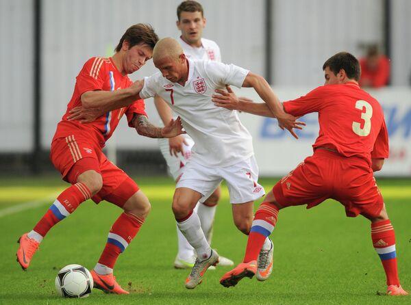Игровой момент матча Россия - Англия