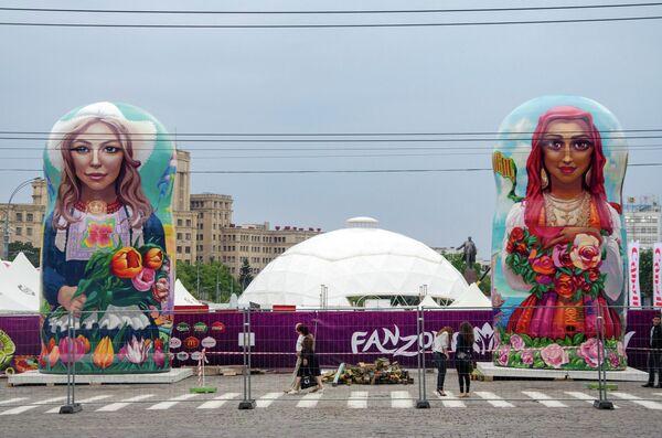 Монтаж фан-зоны в центре Харькова