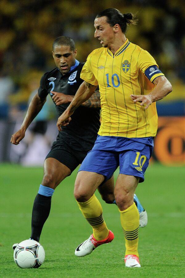 Игровой момент матча Швеция - Англии
