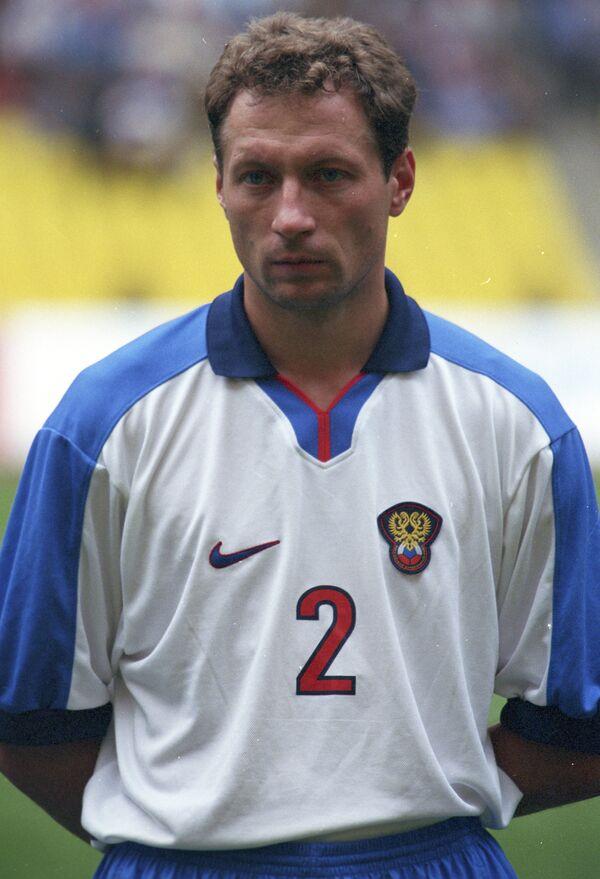 Футболист Дмитрий Хлестов