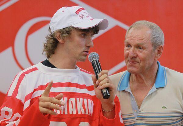 Станислав Жмакин и Вячеслав Старшинов (слева направо)