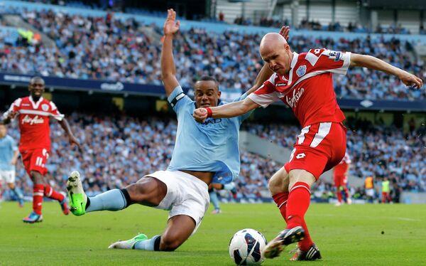 Игровой момент матча Манчестер Сити - Куинз Парк Рейнджерс
