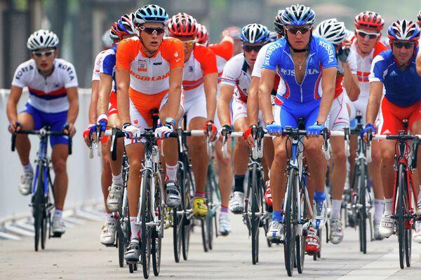Групповая велогонка среди мужчин. Велошоссе