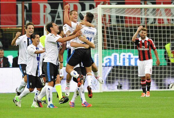 Футболисты Аталанты (слева)