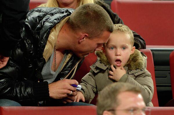 Лукас Подольски с сыном Луисом