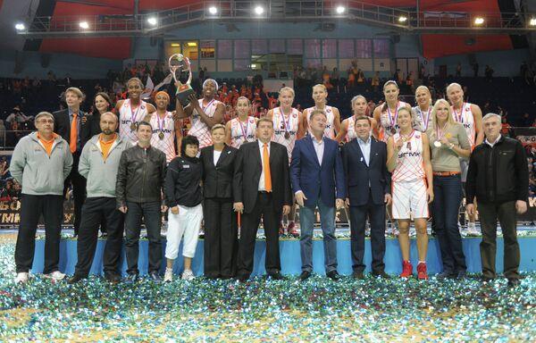 Команда УГМК во время церемонии награждения