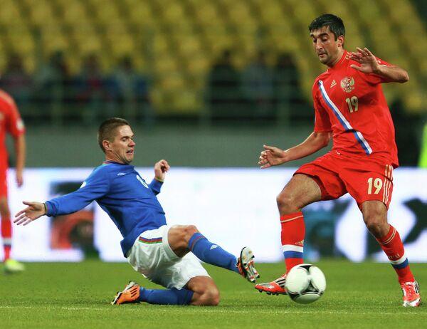Игровой момент матча Россия - Азербайджан