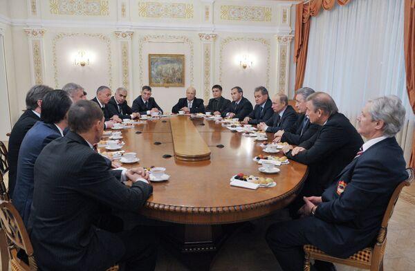 В.Путин на встрече с представителями Ночной хоккейной лиги
